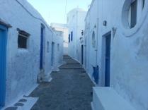 Sidewalk, Milos
